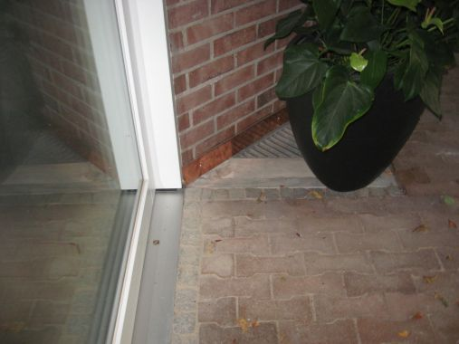 Feuchteschäden im Kellergeschoss wegen offener Lüftungsschächte